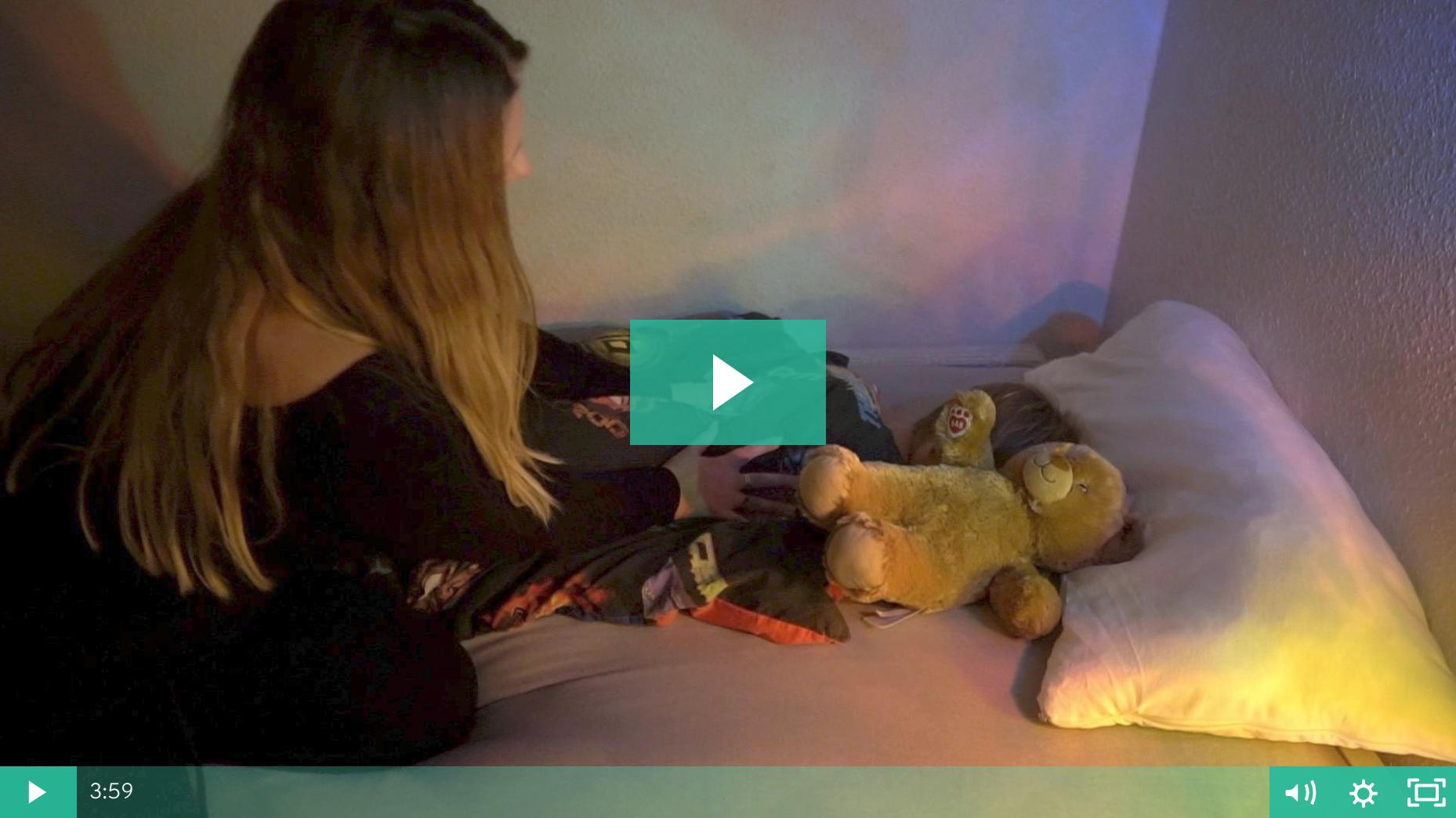 Hvordan får jeg mit barn til at sove? Sådan gør jeg det hurtigt. I videoen falder mit barn i søvn på 4 minutter.